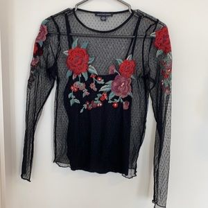 AE mesh and embroidered shirt size S